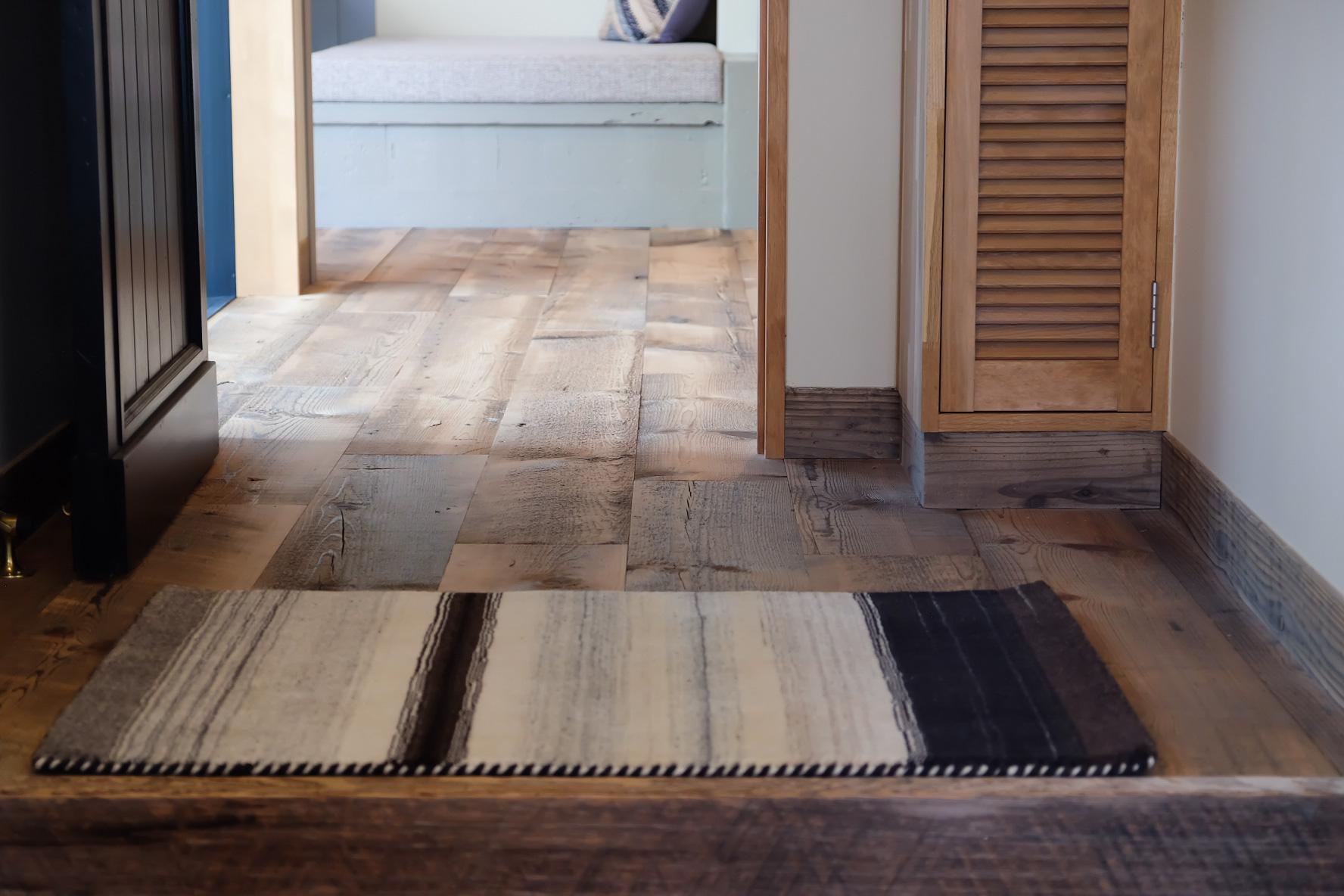 ハグみじゅうたん展 [NEW]tezawari collection 玄関マットサイズ
